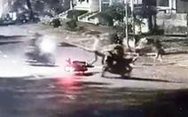 Xác định băng nhóm xịt hơi cay cướp xe máy ở quận 7