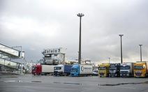 Phát hiện thêm người nhập cư trong xe tải đông lạnh hướng đến Anh