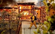 Cuộc di tản lịch sử 180.000 người ở California vì cháy rừng lan rộng