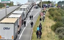 Con đường chết chóc tìm miền đất hứa - Kỳ 2: Bờ biển Manche là điểm dừng 'transit'