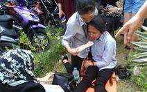 Động đất mạnh, học sinh chạy không kịp bị tường đè chết