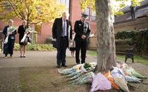 Thủ tướng Anh dành một phút mặc niệm 39 thi thể trong container