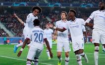 Chelsea thắng trận đầu tay, Ajax đè bẹp Valencia ở Champions League