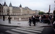 'Gã điên loạn' đâm chết 4 cảnh sát ngay tại đồn giữa Paris