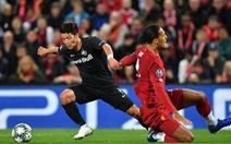 Khoảnh khắc ngôi sao châu Á 'lừa' Van Dijk rồi ghi bàn tại Champions League