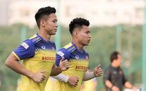 Tuyển Việt Nam thiếu quân tập luyện vì nhóm cầu thủ Hà Nội FC về muộn