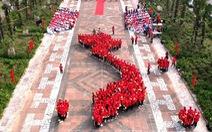 1.000 bạn trẻ xếp hình dải đất hình chữ S khởi động hành trình 'Tôi yêu Tổ quốc tôi'