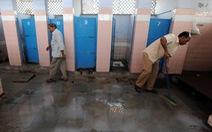 Có cả 100 triệu nhà xí mới, người Ấn vẫn thích đi vệ sinh lộ thiên