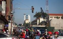 Giao thông khu Hàng Xanh, Nguyễn Hữu Cảnh 'vỡ trận' ngay ngày đầu tuần
