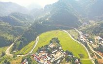 Ruộng bậc thang Chuôr ôm ấp bản làng giữa đại ngàn Trường Sơn