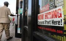 Thư từ Mỹ: Ít thất nghiệp, ông Trump khỏe