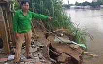 Bờ kênh xáng Tân An tiếp tục bị 'nuốt', dân hối hả 'chạy' sạt lở