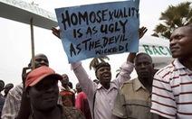 Ở châu Phi, bị đồng tính như cầm án tử trong tay
