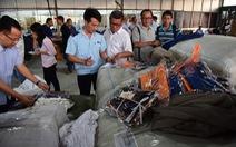 Lô quần áo Trung Quốc hàng ngàn chiếc giả mạo xuất xứ Việt Nam