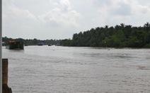 Sà lan chở hơn 1.300 tấn than đá chìm trên kênh Chợ Gạo