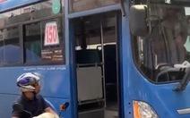 Buộc thôi việc tài xế xe buýt ép xe, phun nước miếng khi bị phàn nàn
