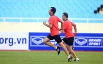 Tổ trọng tài Iran rèn thể lực trên sân Mỹ Đình chờ cầm còi trận Việt Nam - Malaysia