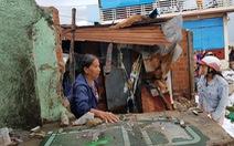 Thiệt hại do bão số 5: Nhiều nhà dân bị sóng dữ cuốn