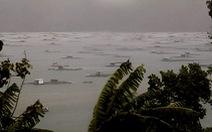 Khánh Hòa: 2 người mắc kẹt trên bè giữa bão đã thoát nạn