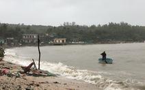 Đón bão số 6, Phú Yên bắt đầu mưa nặng hạt kèm gió mạnh