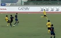 Video đội trưởng U19 Thái Lan bỏ bóng đá người kinh hoàng