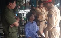 Gây tai nạn bỏ chạy bị dân bắt được, tài xế say xỉn xưng thiếu tá quân đội