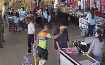 Xác minh người tát nhân viên bán hàng khi con mua đồ chưa trả tiền