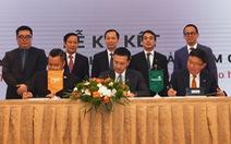 Vietcombank hợp tác với FWD độc quyền phân phối bảo hiểm qua ngân hàng
