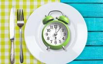 Khoa học khuyên ăn trước 6 giờ chiều, tại sao?