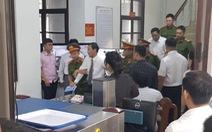 Xét xử vợ chồng LS Trần Vũ Hải: tòa tiếp tục hạn chế báo chí