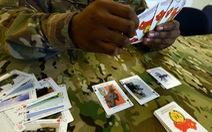 Mỹ cho lính ghi nhớ vũ khí đối phương bằng cách đánh bài