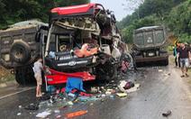 Xe khách nát đầu sau cú tông của xe ben, 6 người bị thương