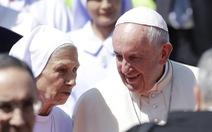 Giáo hoàng có em gái làm phiên dịch khi thăm Thái Lan