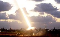 Israel phóng tên lửa tấn công quân đội Syria và Iran