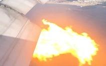 Boeing 777 cháy phừng phừng trên bầu trời Los Angeles