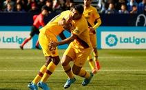 Messi kiến tạo đẳng cấp để Suarez ghi bàn giúp Barca giành 3 điểm