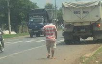 Tạm đình chỉ công tác 2 lãnh đạo đội CSGT 'bảo kê xe quá tải'