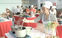 Video: Những người nấu phở ngon khu vực phía Nam trổ tài