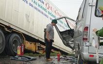 Xe khách chở các sư thầy ở Bình Định gặp nạn do lấn đường