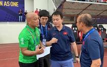 Ông Park phản ứng khi cháu Quốc vương Brunei đang dự bị bất ngờ đá chính