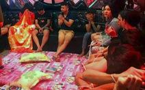 50 người 'phê' ma túy trong phòng karaoke có chăn, nệm, gối