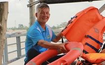 'Biệt đội' cứu hộ trên sông Vàm Nao
