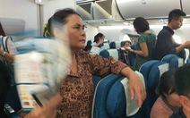 Hành khách Vietnam Airlines bị giữ trên máy bay hơn 1 tiếng