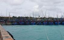 Gần 1.000 ngư dân vào tránh áp thấp nhiệt đới ở Trường Sa