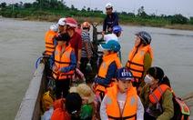Trang bị áo phao cho khách đi đò sông Trà Khúc sau tai nạn chết người