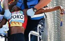 'Chùm ảnh gây sốc': nữ VĐV khuyết tật đổ gục trên đường chạy