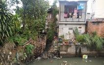 Hàng trăm vụ lấn chiếm hệ thống thoát nước gây ngập đường phố