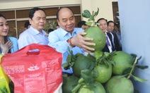 Thủ tướng Nguyễn Xuân Phúc đang đối thoại 300 nông dân cả nước