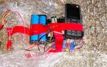 Cảnh sát Hong Kong phá bom tự chế chứa 10kg thuốc nổ giấu trong trường học