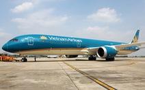 Máy bay chở hai đội bóng U22 nam và tuyển quốc gia nữ về trễ